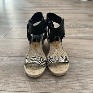 Dolce Vita Espadrille sandals - size 7.5